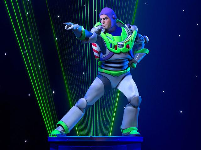 Disney Live! O Caminho Mágico de Mickey e Minnie Mickey's Magic Show toy story buzz lightyear laser luz