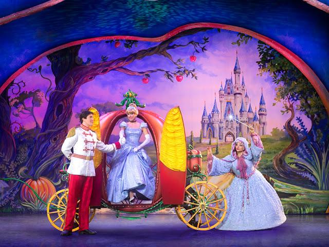 Disney Live! O Caminho Mágico de Mickey e Minnie Mickey's Magic Show fada madrinha príncipe encantado cinderela cinderella