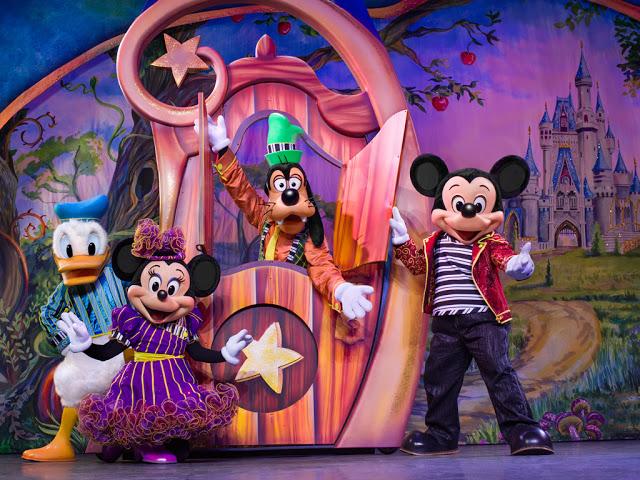 Disney Live! O Caminho Mágico de Mickey e Minnie Mickey's Magic Show mickey minnie donald pateta