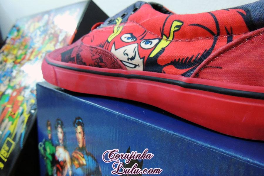 tênis the flash Unboxing Fan Box DC Comics 1 e 2 dezembro de 2015 janeiro de 2016 Warner Batman Joker Coringa Superheróis super homem heróis mulher maravilha warner bros corujinha lulu corujinhalulu